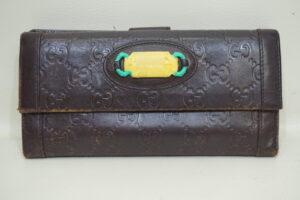 Gucciの財布・修理・色あせ・すり傷を、染直し修理で綺麗にしました。
